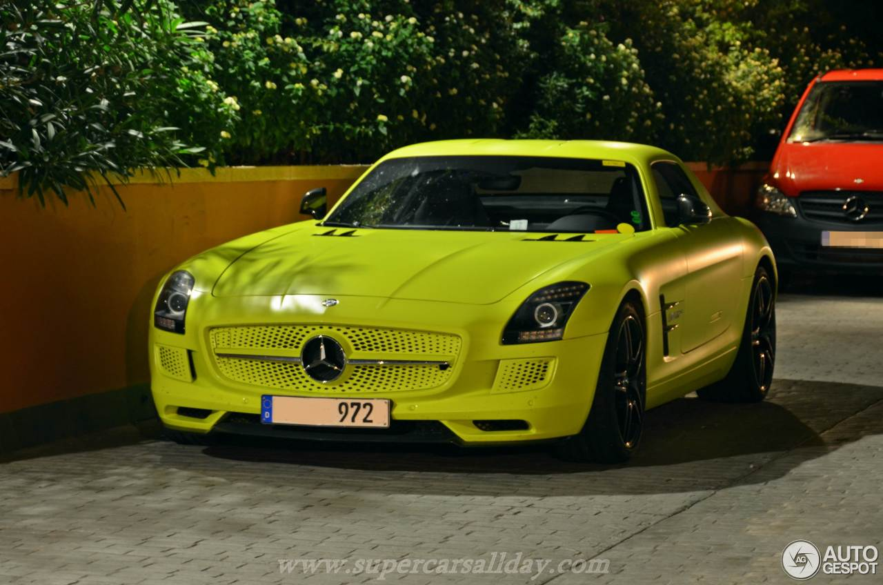 Mercedes benz sls amg electric drive 31 october 2014 for Mercedes benz sls amg electric drive price