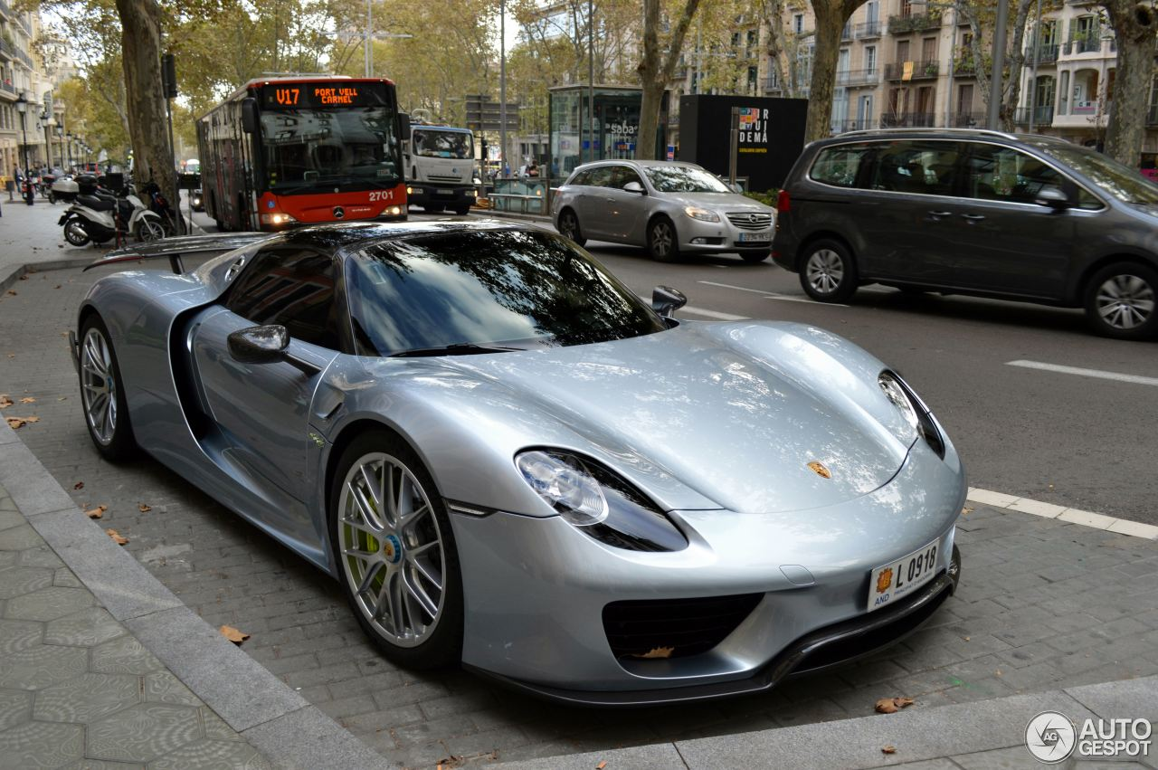 porsche 918 spyder weissach package 1 november 2014 autogespot. Black Bedroom Furniture Sets. Home Design Ideas
