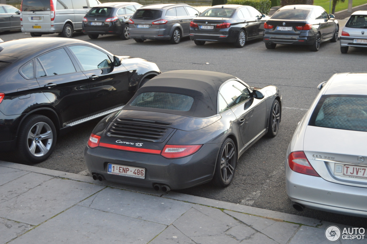 porsche 997 carrera 4s cabriolet mkii 2 november 2014 autogespot. Black Bedroom Furniture Sets. Home Design Ideas