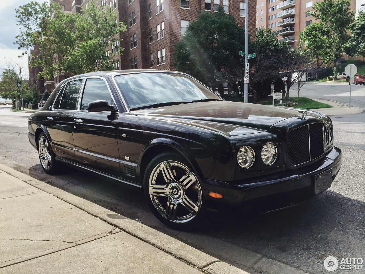 Bentley arnage t final series 3 november 2014 autogespot 1 i bentley arnage t final series 1 vanachro Image collections