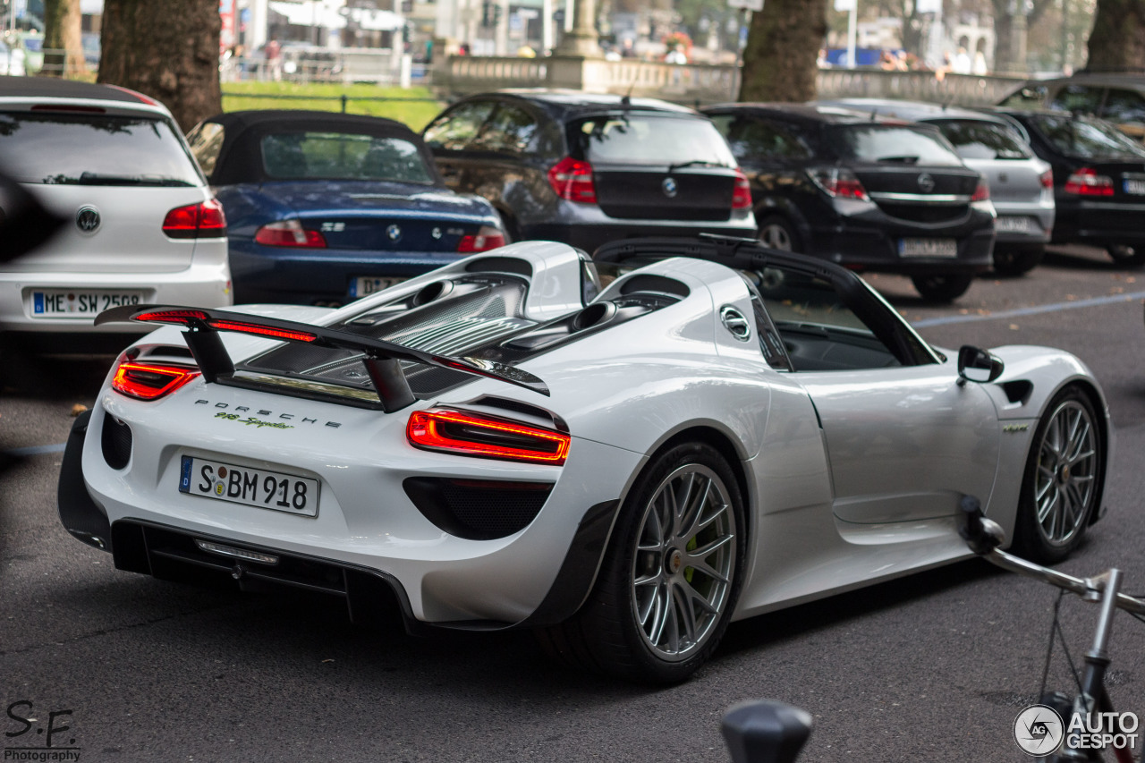 porsche 918 spyder weissach package 16 november 2014 autogespot. Black Bedroom Furniture Sets. Home Design Ideas