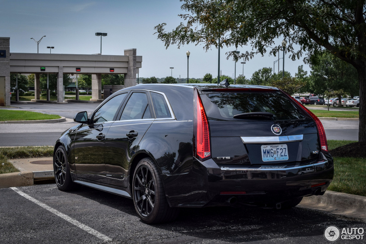 cadillac cts v sport wagon 20 november 2014 autogespot. Black Bedroom Furniture Sets. Home Design Ideas