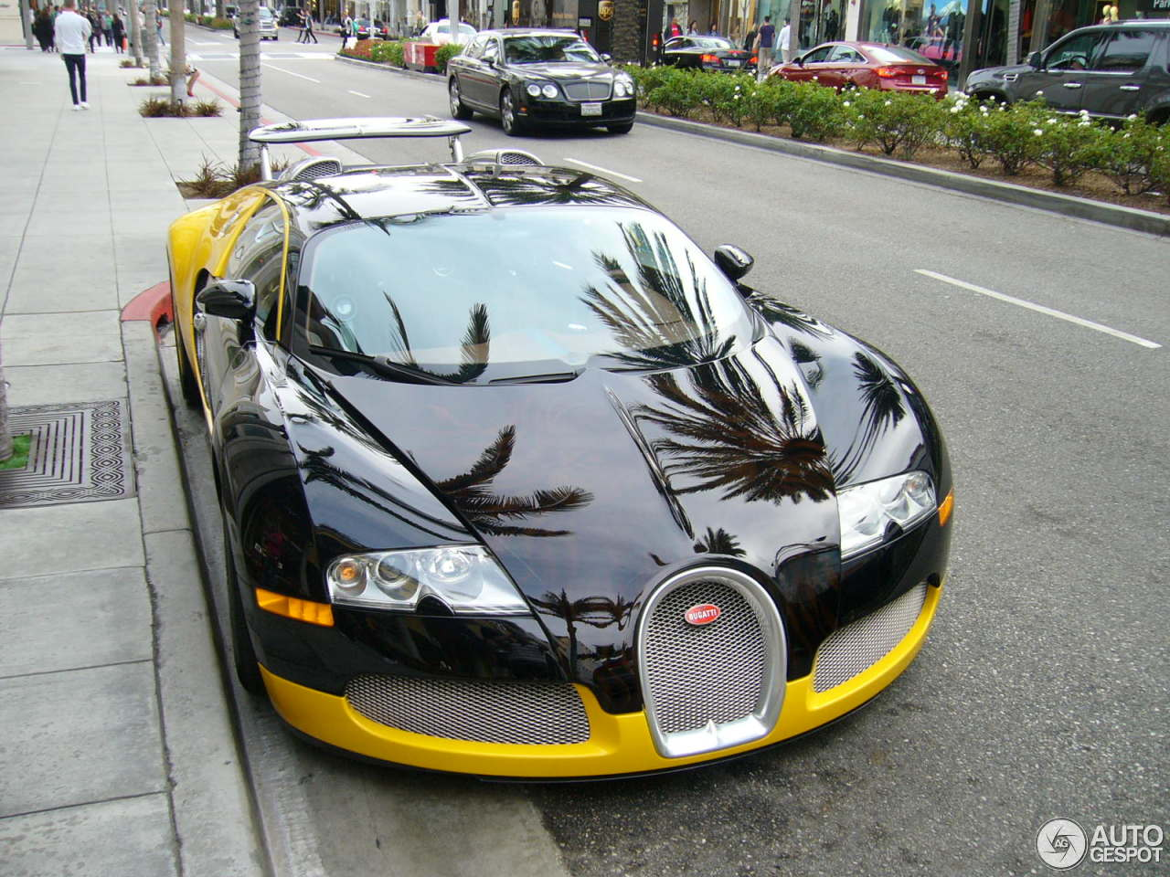 bugatti veyron price in usa 2014 2014 bugatti veyron hyper sport price top auto magazine 2014. Black Bedroom Furniture Sets. Home Design Ideas