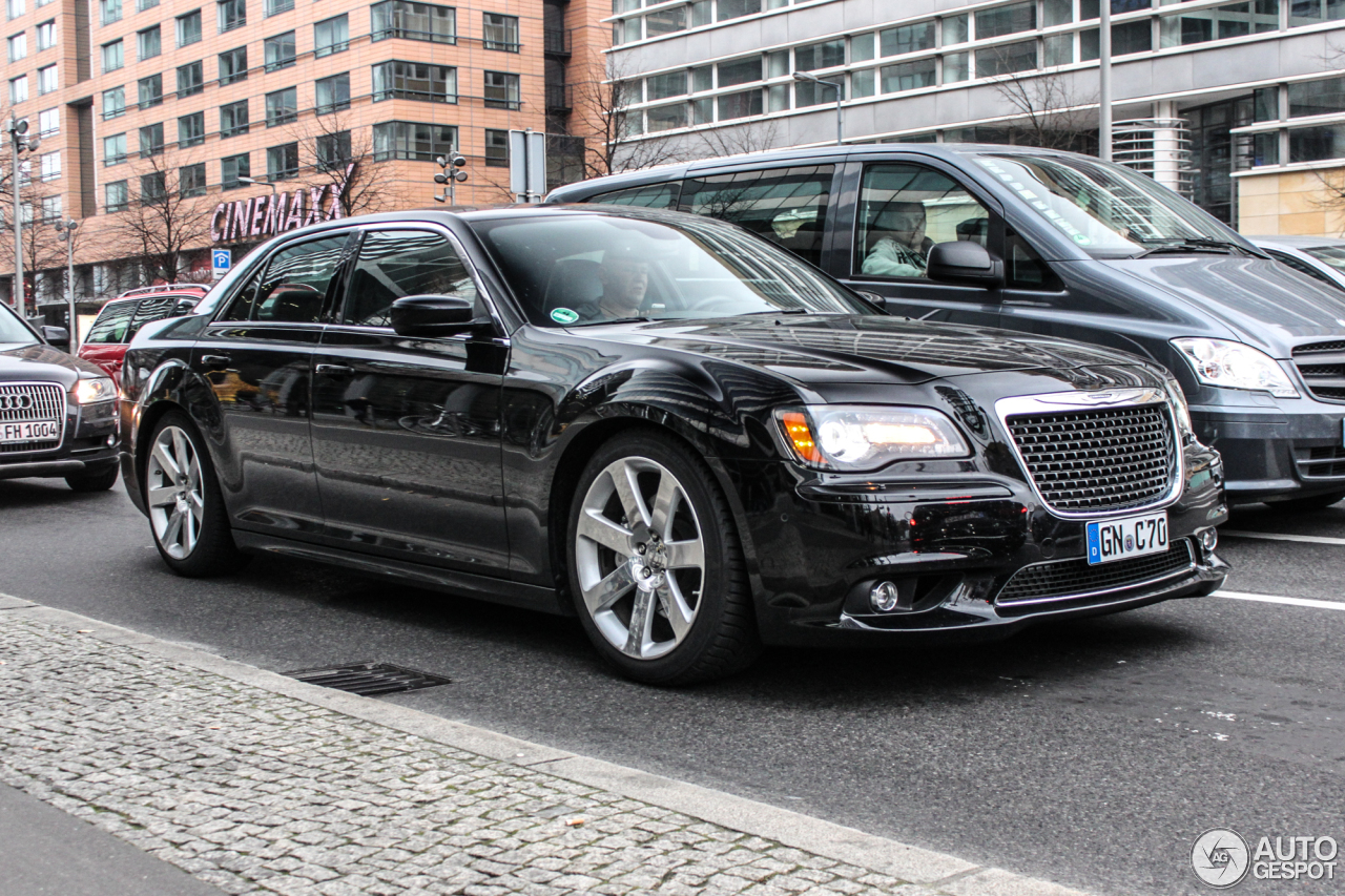 chrysler 300c srt8 2013 8 december 2014 autogespot. Black Bedroom Furniture Sets. Home Design Ideas