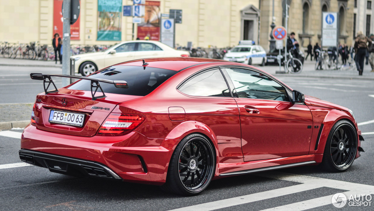 Mercedes Benz C 63 Amg Black Series By Domanig 8 Dezember 2014 Autogespot