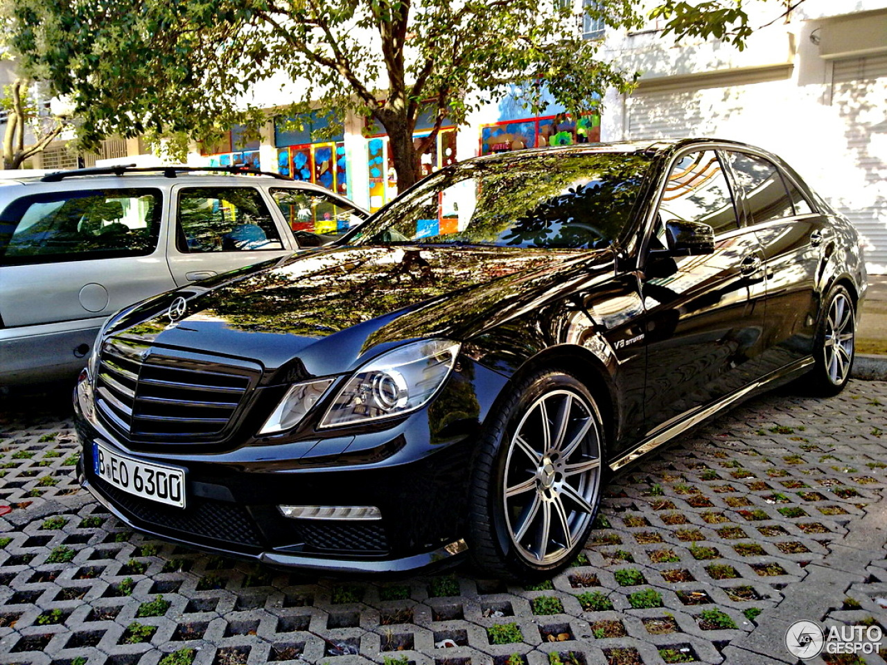 mercedes benz e 63 amg w212 v8 biturbo 13 december 2014 autogespot. Black Bedroom Furniture Sets. Home Design Ideas