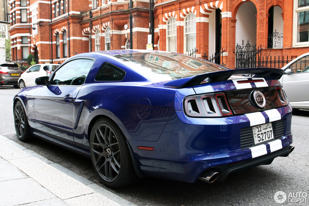 ford mustang gt california special 2013 17 december 2014 autogespot. Black Bedroom Furniture Sets. Home Design Ideas
