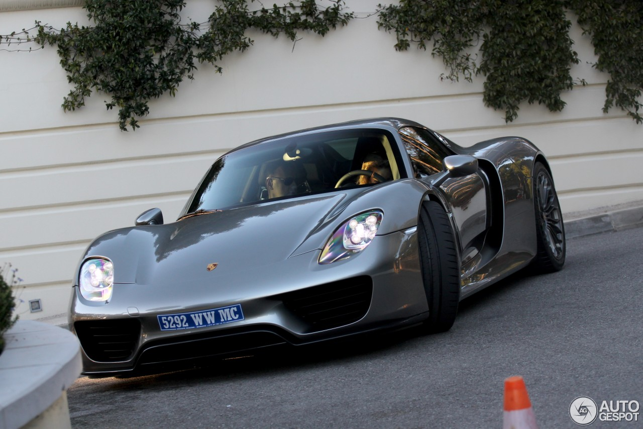 porsche 918 spyder 21 december 2014 autogespot. Black Bedroom Furniture Sets. Home Design Ideas
