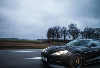 Aston Martin Vanquish 2015 Carbon Black