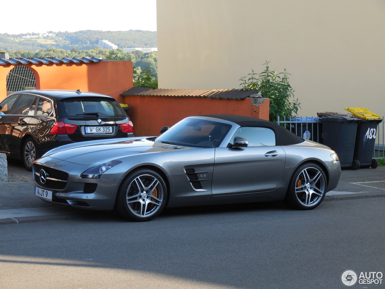 mercedes benz sls amg gt roadster 22 december 2014 autogespot. Black Bedroom Furniture Sets. Home Design Ideas