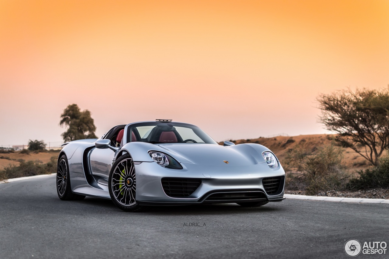 porsche 918 spyder 24 december 2014 autogespot. Black Bedroom Furniture Sets. Home Design Ideas