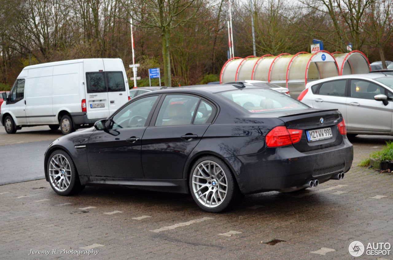 bmw m3 e90 sedan 2009 25 december 2014 autogespot. Black Bedroom Furniture Sets. Home Design Ideas
