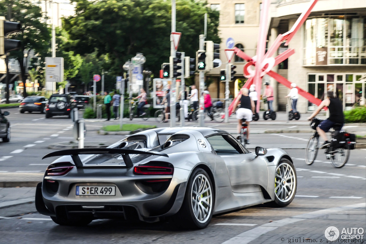 porsche 918 spyder weissach package 30 dezember 2014 autogespot. Black Bedroom Furniture Sets. Home Design Ideas