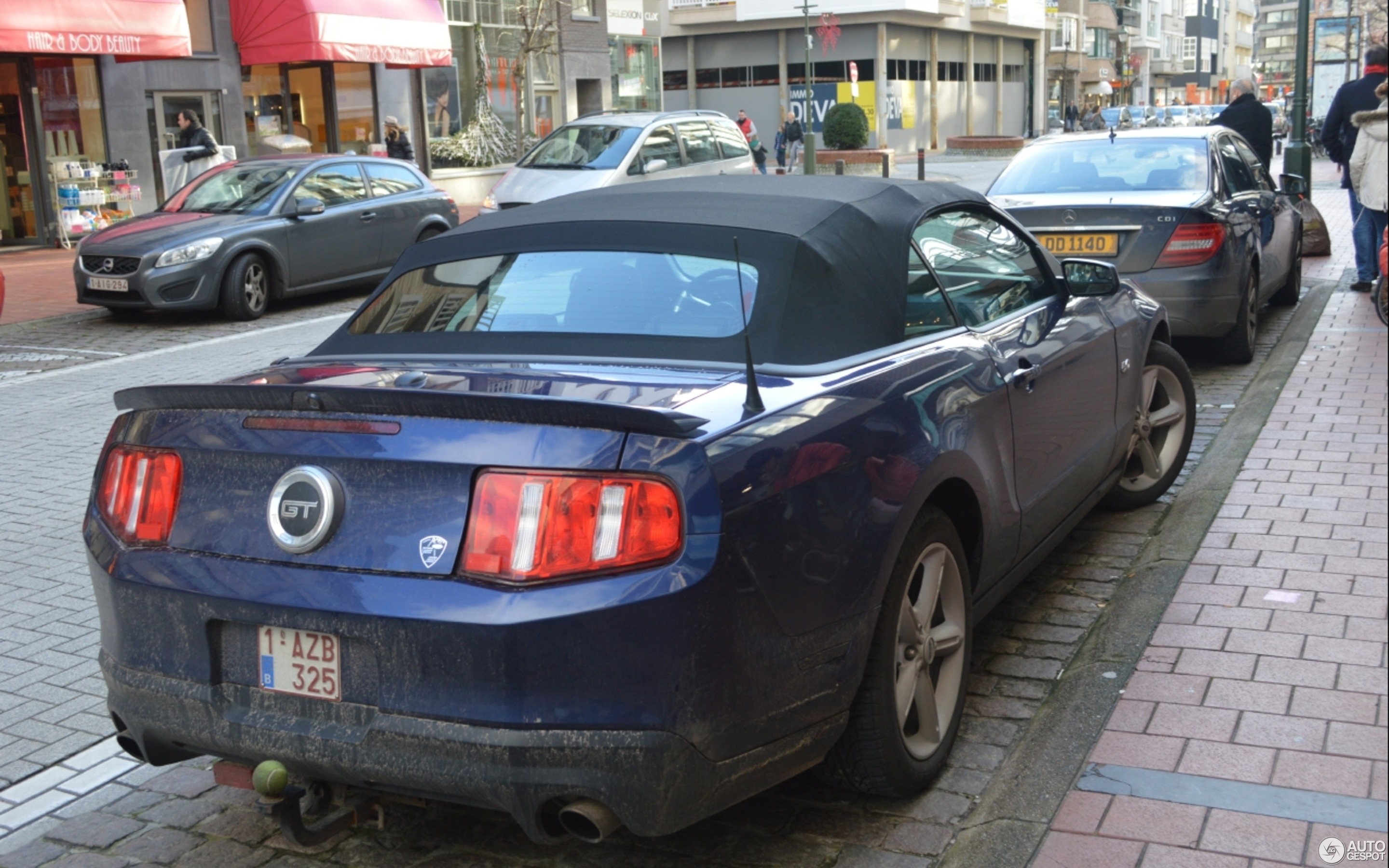 Ford Mustang GT Convertible 2011 3 January 2014 Autogespot
