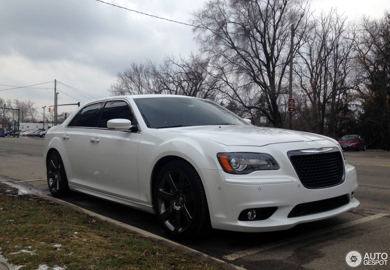 chrysler 300c srt8 2013 20 january 2014 autogespot. Black Bedroom Furniture Sets. Home Design Ideas