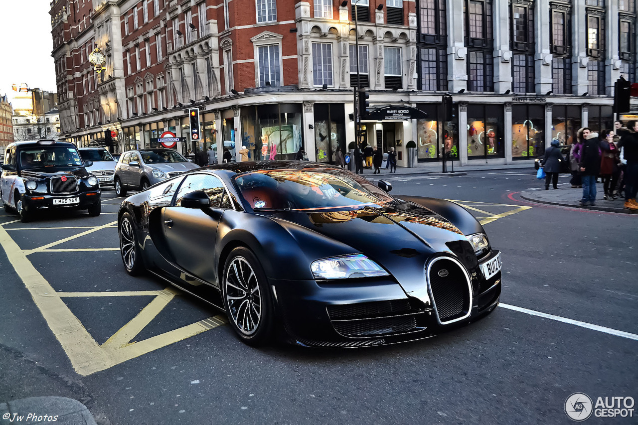 bugatti veyron 16 4 super sport sang noir 2 february 2014 autogespot. Black Bedroom Furniture Sets. Home Design Ideas