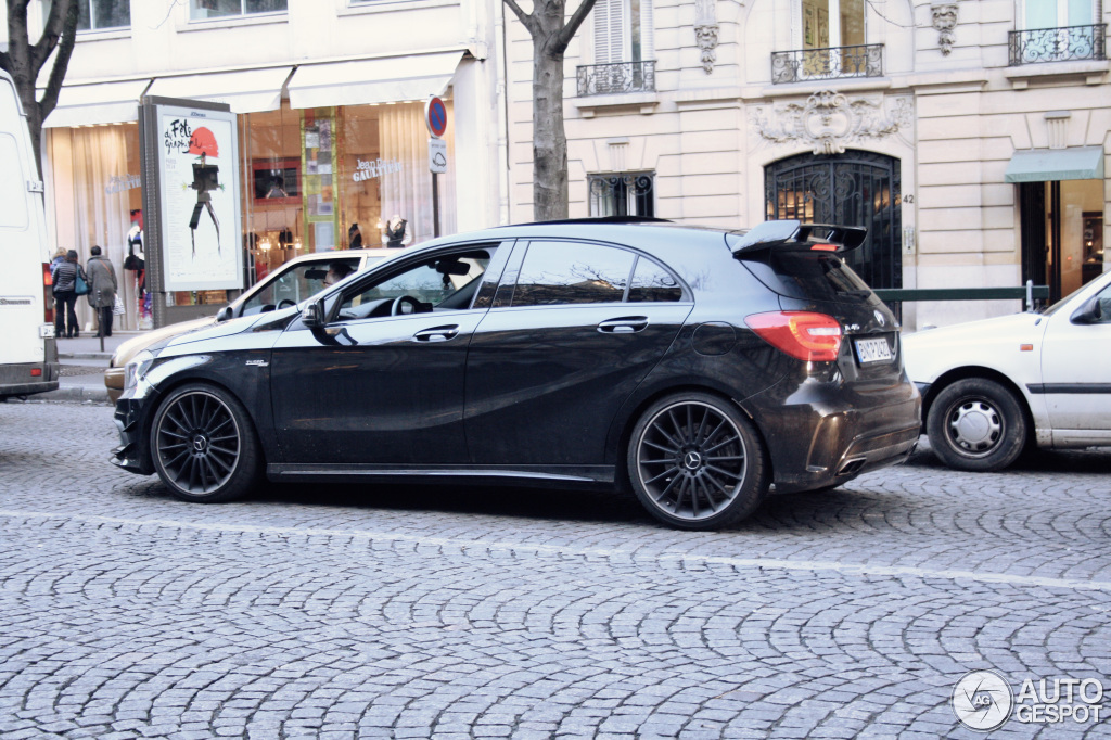 mercedes benz a 45 amg 2 fvrier 2014 autogespot. Black Bedroom Furniture Sets. Home Design Ideas
