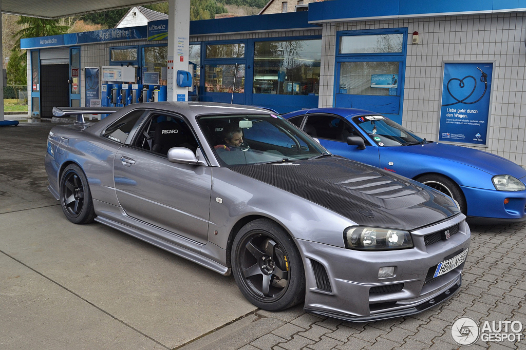 Nissan Skyline R34 GT-R V-Spec - 1 March 2014 - Autogespot