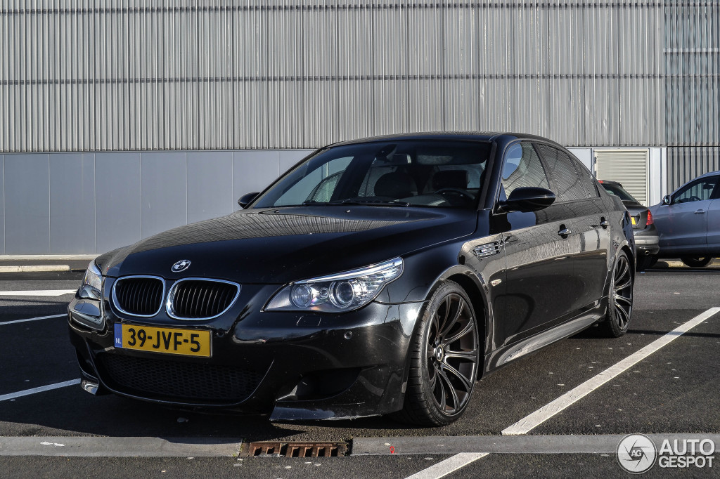 bmw m5 e60 2005 16 march 2014 autogespot. Black Bedroom Furniture Sets. Home Design Ideas