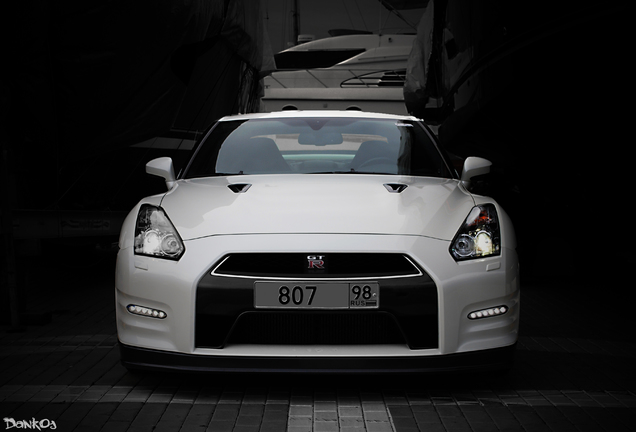 Nissan GT-R Switzer P800 2011