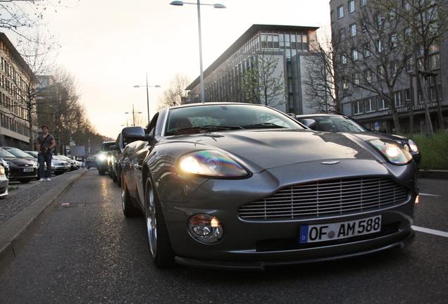 Aston Martin Vanquish Royal Excellence