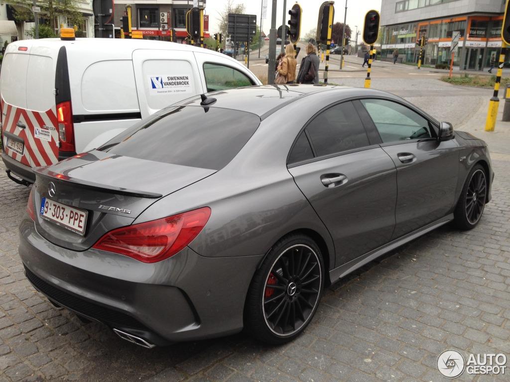 Mercedes benz cla 45 amg c117 4 april 2014 autogespot for Cla 45 amg mercedes benz