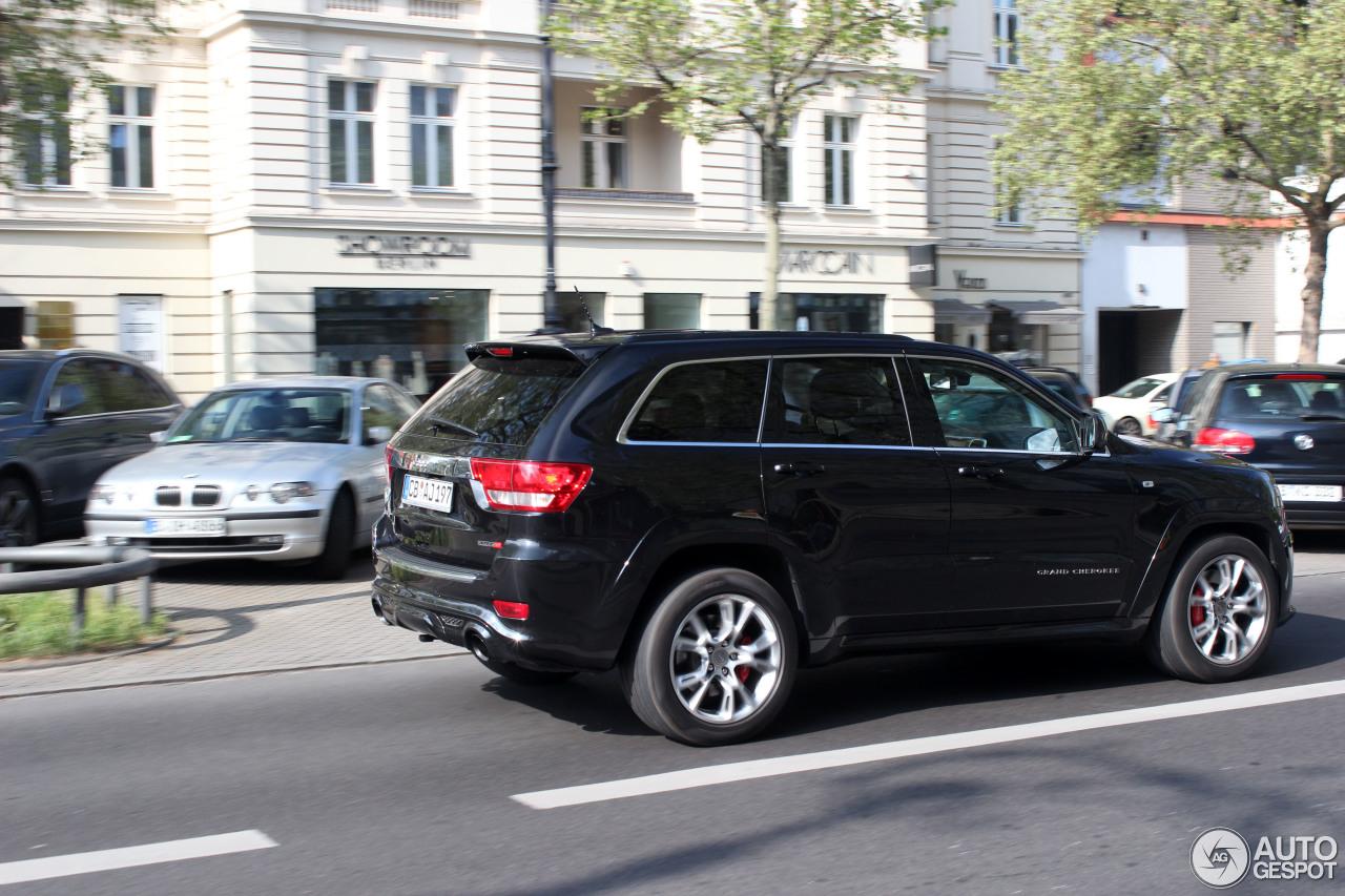 jeep grand cherokee srt 8 2012 24 april 2014 autogespot. Black Bedroom Furniture Sets. Home Design Ideas