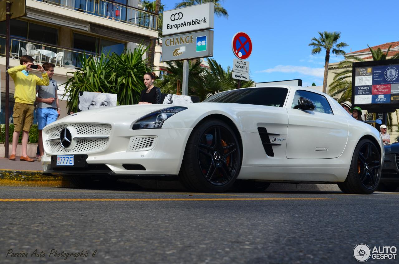 Mercedes benz sls amg electric drive 4 may 2014 autogespot for Mercedes benz electric sls