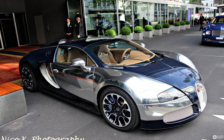 Bugatti sang bleu