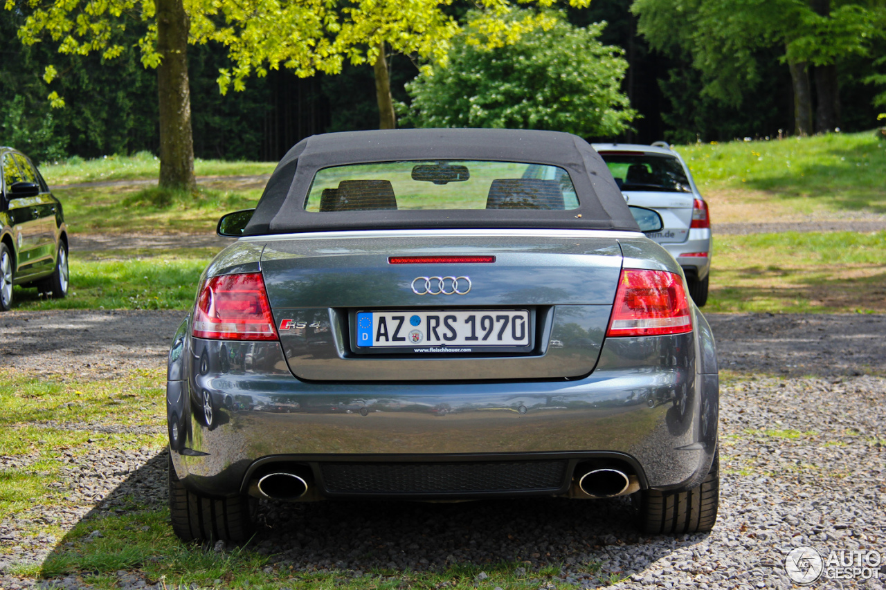 audi rs4 cabriolet 18 may 2014 autogespot. Black Bedroom Furniture Sets. Home Design Ideas