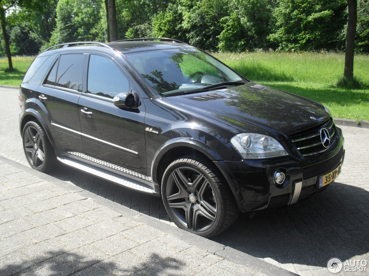 Mercedes benz ml 63 amg w164 20 may 2014 autogespot for Ml mercedes benz
