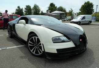 Bugatti Veyron 16.4 Grand Sport Vitesse Lang Lang Edition