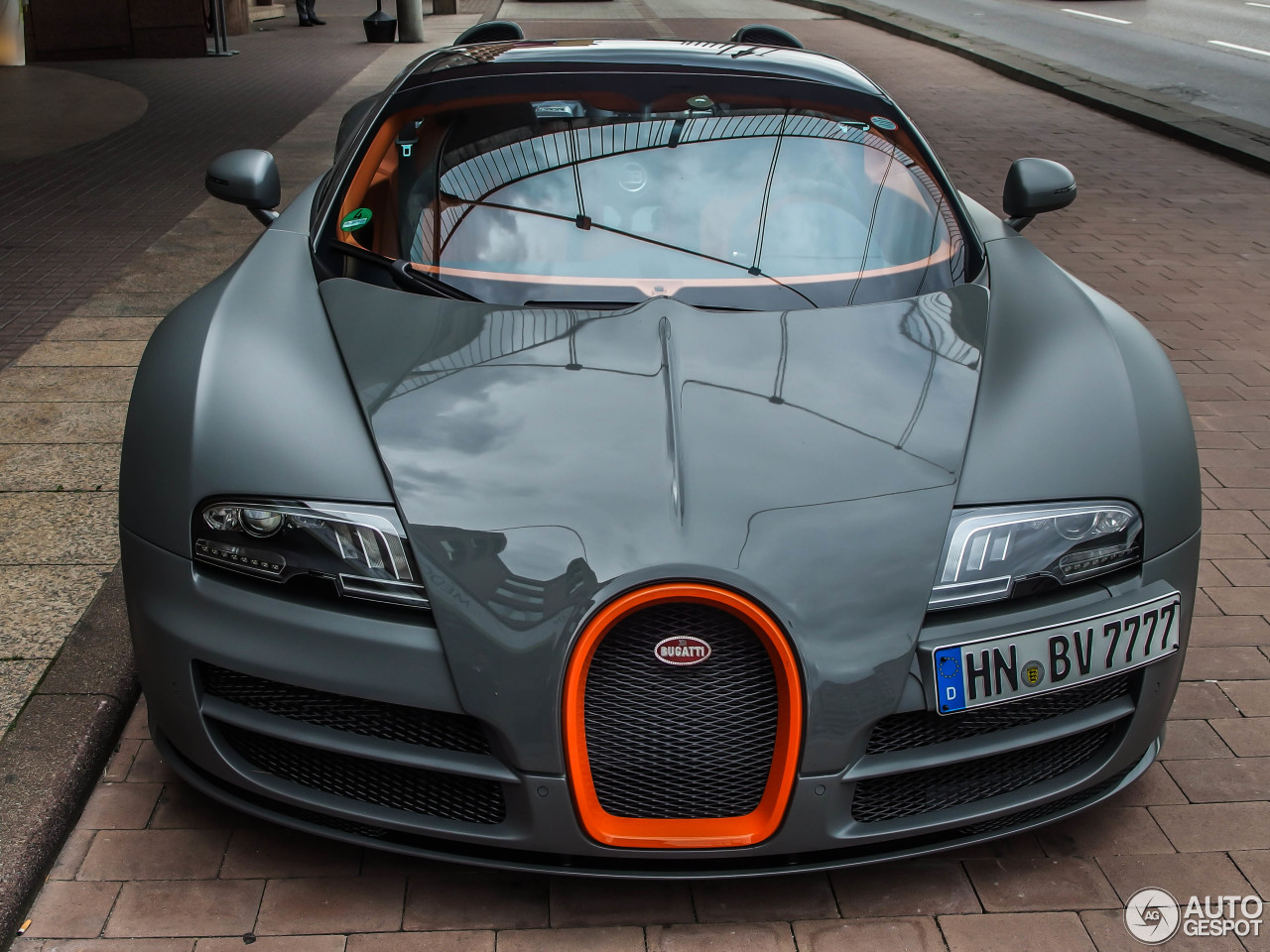 bugatti veyron 16 4 grand sport vitesse 28 mai 2014. Black Bedroom Furniture Sets. Home Design Ideas