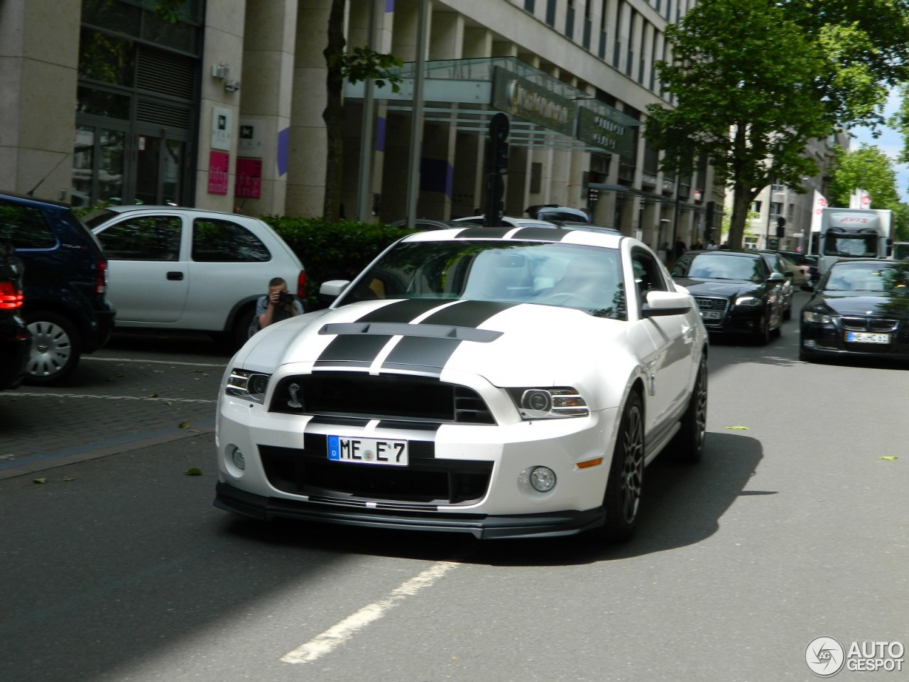 ford mustang shelby gt500 2013 2 june 2014 autogespot. Black Bedroom Furniture Sets. Home Design Ideas