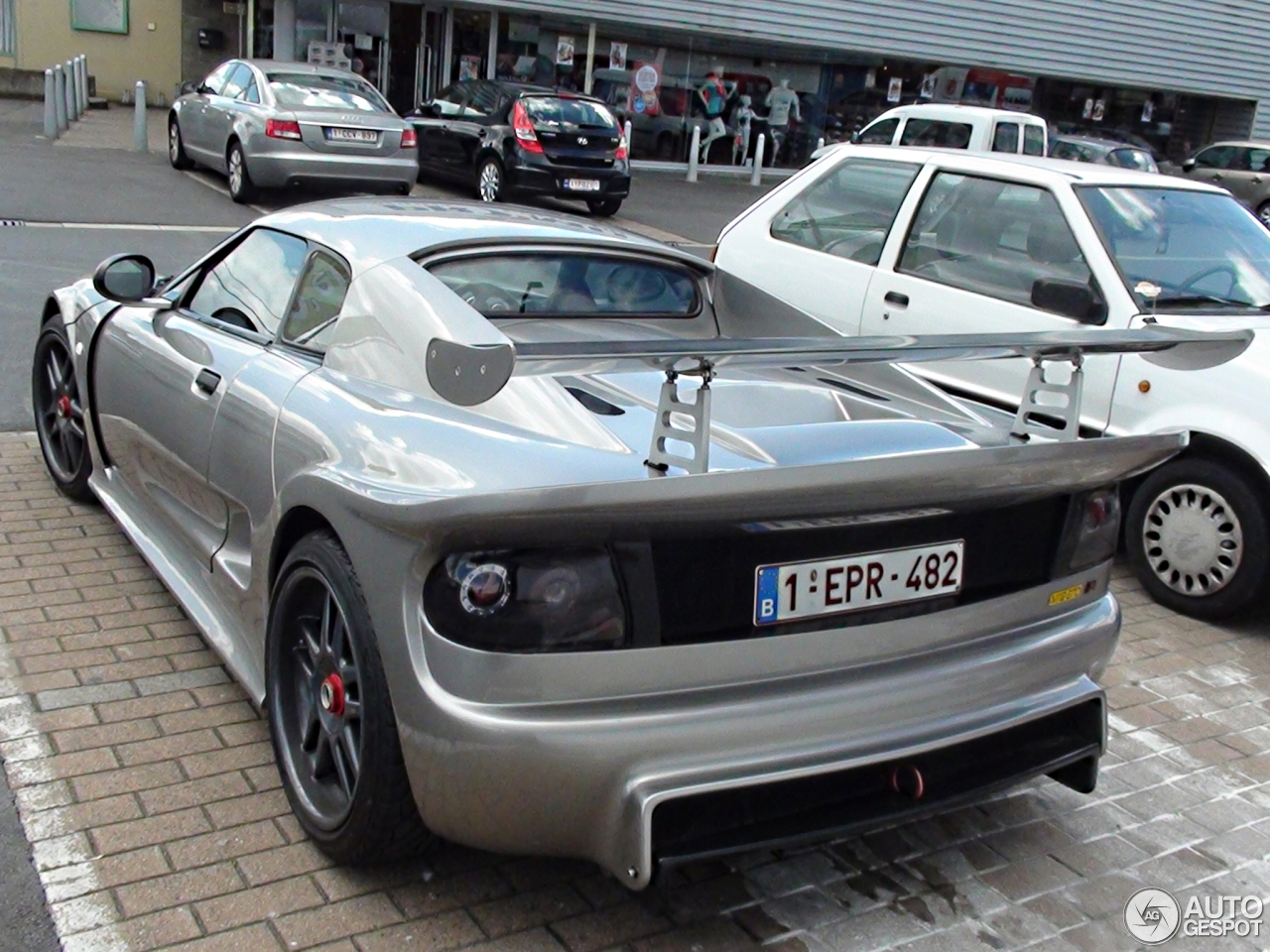 noble m12 gto 3 14 juin 2014 autogespot. Black Bedroom Furniture Sets. Home Design Ideas