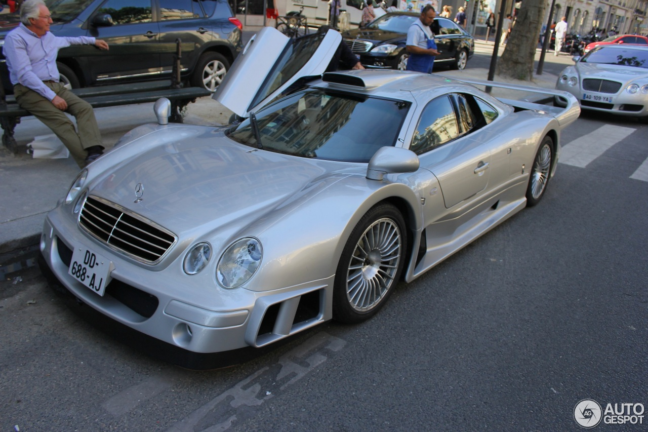 mercedes benz clk gtr amg 2 juillet 2014 autogespot. Black Bedroom Furniture Sets. Home Design Ideas