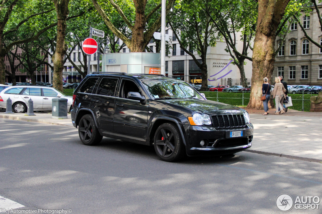 jeep grand cherokee srt 8 2005 5 juli 2014 autogespot. Black Bedroom Furniture Sets. Home Design Ideas
