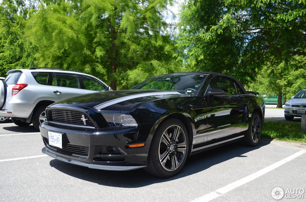 ford mustang gt california special convertible 2012 18 july 2014 autogespot. Black Bedroom Furniture Sets. Home Design Ideas