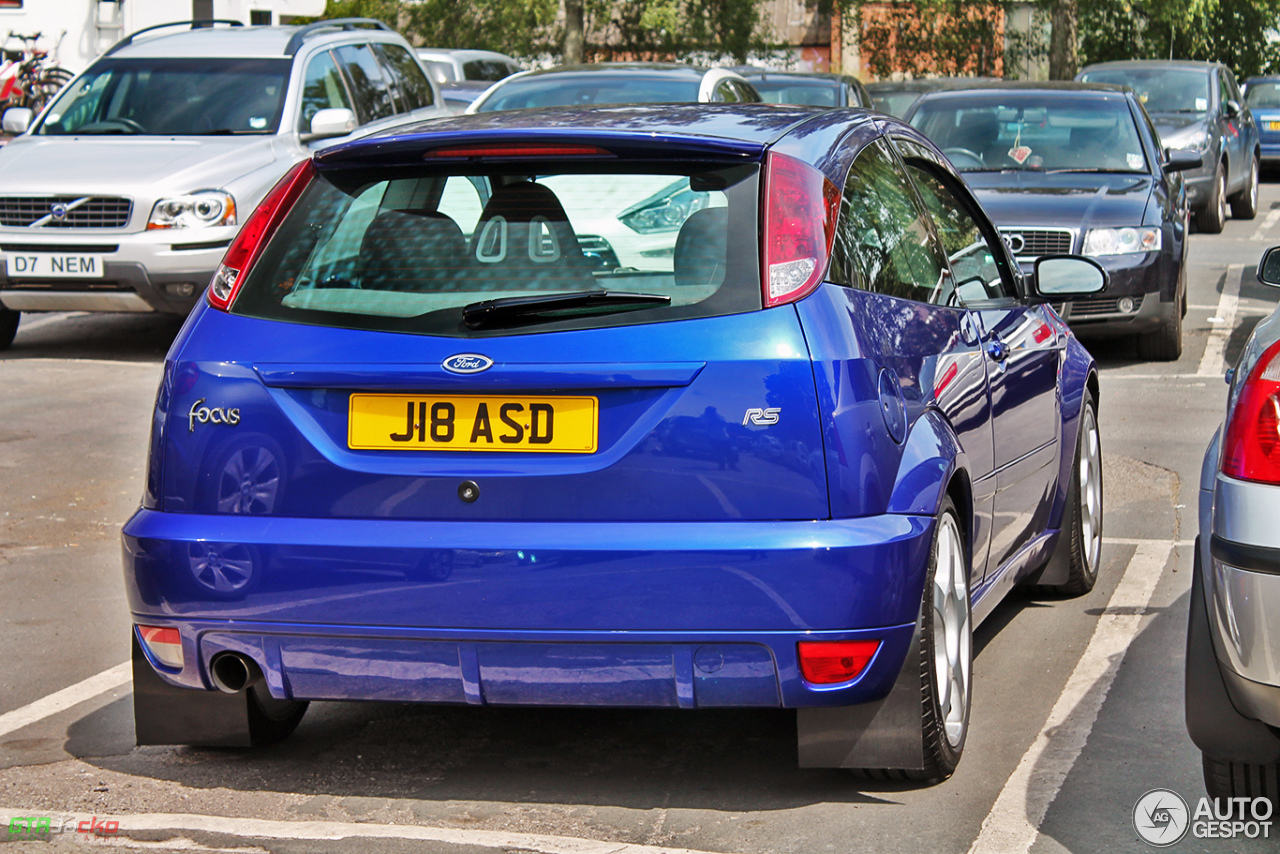 ford focus rs 25 july 2014 autogespot. Black Bedroom Furniture Sets. Home Design Ideas