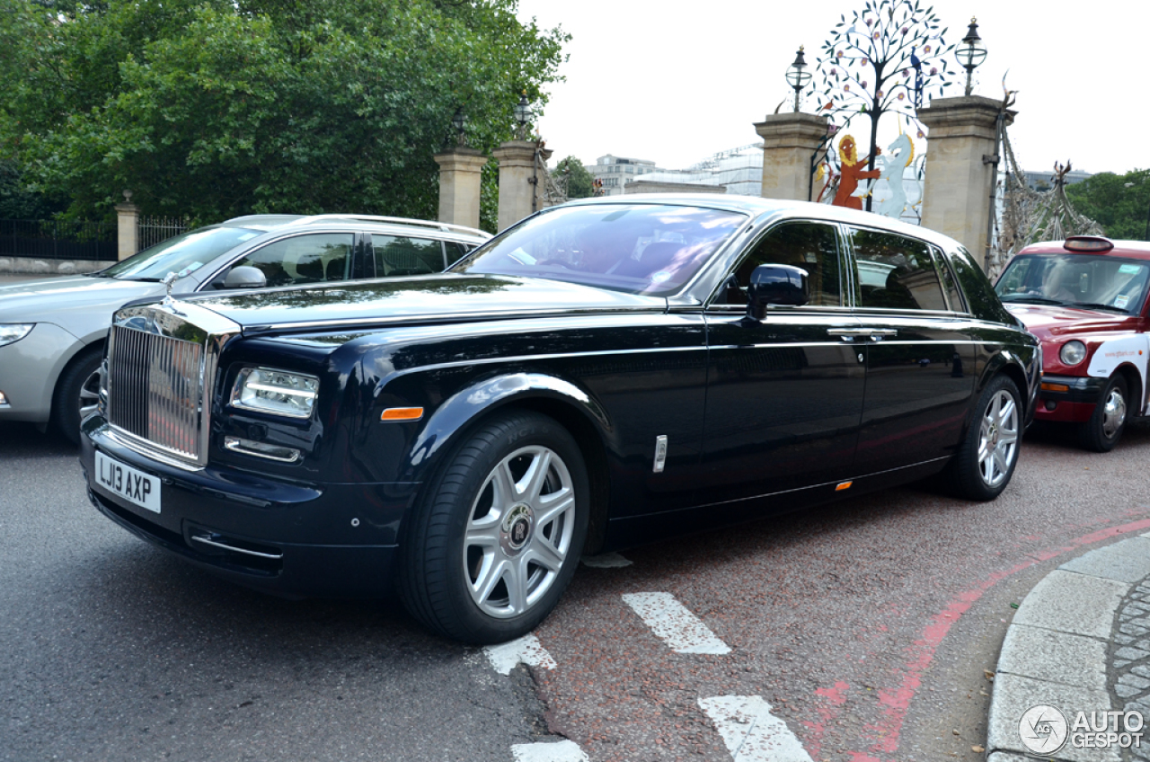 rolls royce phantom ewb series ii 4 august 2014 autogespot. Black Bedroom Furniture Sets. Home Design Ideas