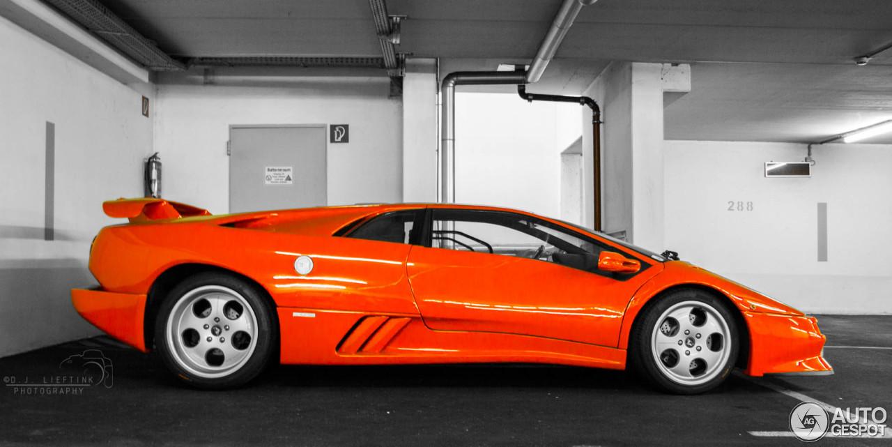 2010 Lamborghini Diablo SE photo - 3