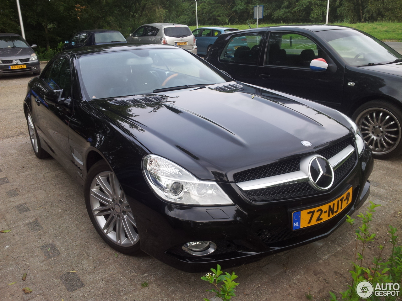 mercedes benz sl 600 r230 2009 14 august 2014 autogespot. Black Bedroom Furniture Sets. Home Design Ideas
