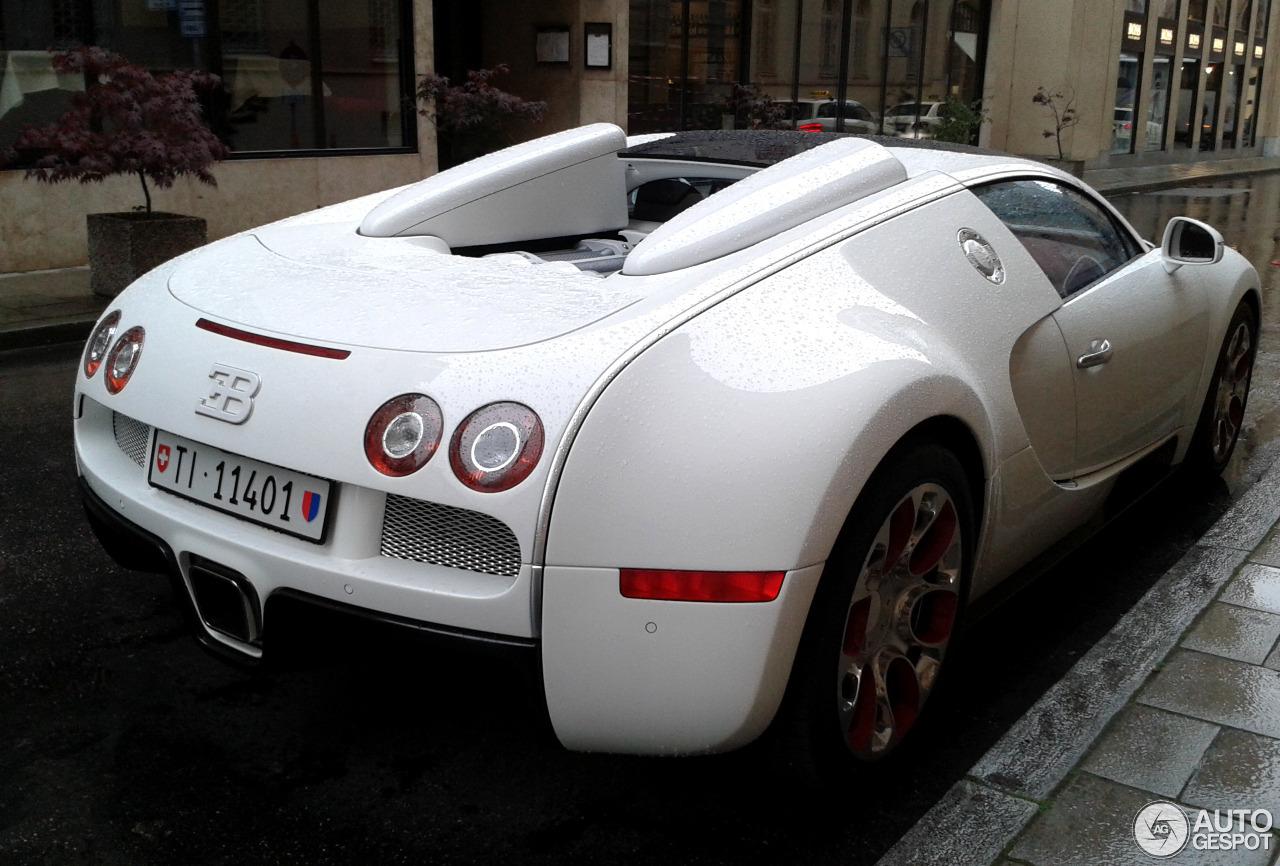 bugatti veyron 16 4 grand sport wei long 2012 21 september 2014 autogespot. Black Bedroom Furniture Sets. Home Design Ideas