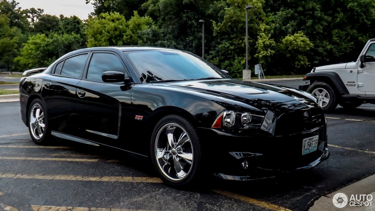 Dodge Charger Srt 8 Super Bee 2012 9 October 2014